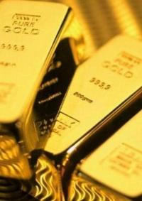 الذهب يهبط من ذروة 6 أعوام