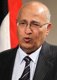 شعث يعلق على اعتقال السلطات المصرية لنجله