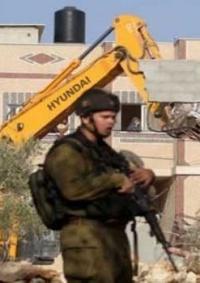 الاحتلال يخطر بوقف البناء بمدرسة جنوب غرب الخليل