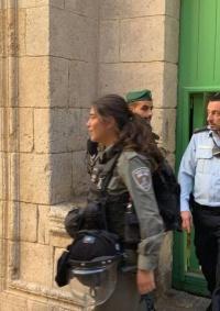 الاحتلال يشن حملة اقتحامات وإغلاقات لمؤسسات بالقدس المحتلة