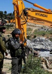 الاحتلال يهدم أربع غرف سكنية في مسافر يطا جنوب الخليل