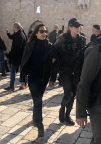 وزارة الإعلام تدين اعتقال الاحتلال طاقم التلفزيون