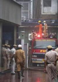 مصرع 35 شخصا على الأقل جراء حريق مصنع في نيودلهي