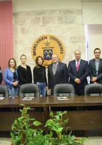 وفد من هيئة مكافحة الفساد في رومانيا وبولندا يزور جامعة بيت لحم
