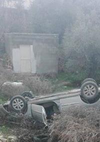 (صور) 4 إصابات بانقلاب مركبة جنوب بيت لحم
