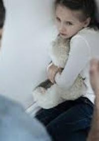أب يقتل ابنته بسبب رفضها البحث عن