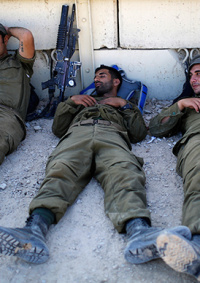 خبير عسكري إسرائيلي: مقاتلو حماس وحزب الله أكثر كفاءة منّا