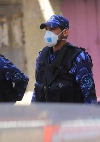 الشرطة والمؤسسة الأمنية تقبض على 8 مهربين للعمال في أريحا