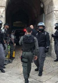 (شاهد) الاحتلال يعدم شابا من ذوي الاحتياجات الخاصة قرب باب الاسباط في القدس المحتلة