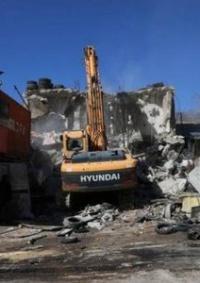 الاحتلال يخطر بإخلاء وهدم نحو 200 منشأة في حي وادي الجوز