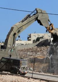 الاحتلال يهدم مسكنا شمال الخليل