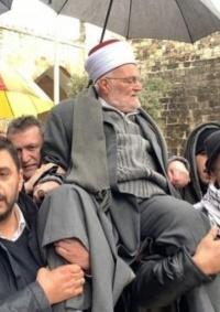 الاحتلال يُبعد الشيخ عكرمة صبري عن الأقصى 4 أشهر