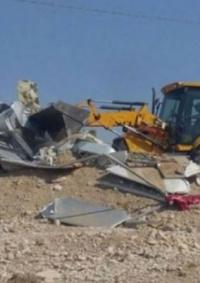 الاحتلال يهدم غرفاً وخياماً سكنية في الأغوار والخليل
