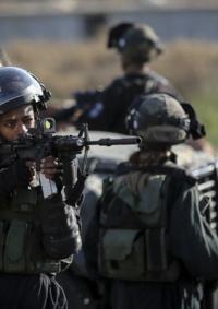 الاحتلال يسيج منطقة قرب تجمع