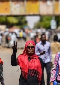 السودان يصادق على قانون يجرّم ختان الإناث