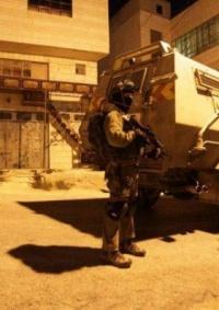 الاحتلال يعتقل شابا من مخيمجنين على حاجز عسكري