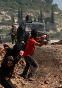 إصابة شاب بالرصاص والعشرات بالاختناق خلال قمع الاحتلال مسيرة كفر قدوم