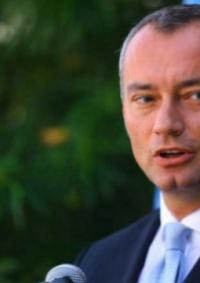 ملادينوف: حل الدولتين يجب أن يوضع موضع التنفيذ