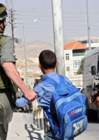 الاحتلال يعتقل 5 مواطنين بينهم طلبة مدارس في الخليل