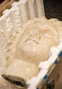 بسبب صورة.. إيطاليا تستعيد نحو 800 قطعة أثرية