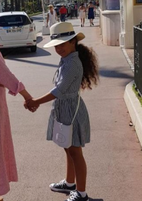 شريهان تنشر صورا لابنتها وتحكي عن مرضها