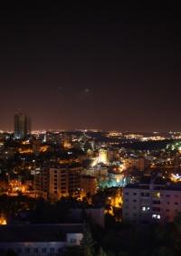 """""""الكهرباء الإسرائيلية"""" ستبدأ الأسبوع المقبل بقطع الكهرباء عن مناطق بالضفة بسبب تراكم الديون"""