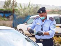القبض على 15 شخصا وإزالة البسطات لمخالفة إجراءات الطوارئ بالخليل