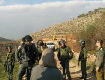 الاحتلال يغلق مدخل قرية الولجة غرب بيت لحم بحاجز طيار