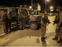 إصابات بالاختناق خلال اقتحام الاحتلال والمستوطنين أطراف حي الطيرة برام الله