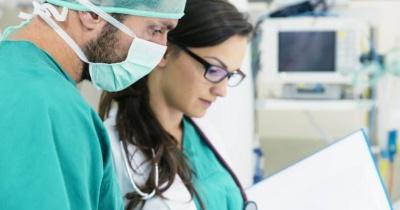 الأطباء والممرضات والمعلمون أكثر الأشخاص عرضة للارهاق