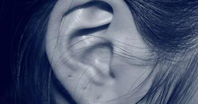 كيفية علاج طنين الأذن دون أدوية