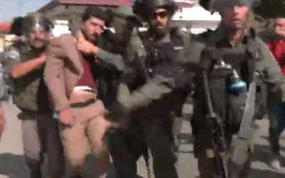 بيت لحم: إصابات بالاختناق واعتقال صحفيين خلال قمع الاحتلال وقفة تضامنية مع الصحفي معاذ عمارنة