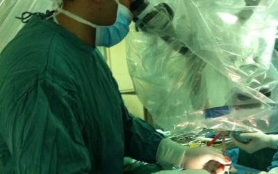 جراحة الأعصاب بالمقاصد تدخل تقنيات لاستئصال أورام قاع الجمجمة بواسطة المنظار