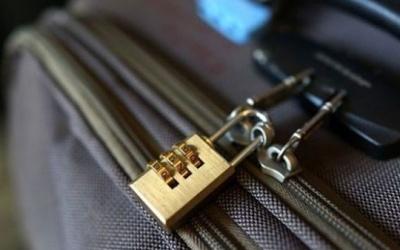 استخدام الأقفال في حقائب السفر يجعلها أكثر عرضة للسرقة