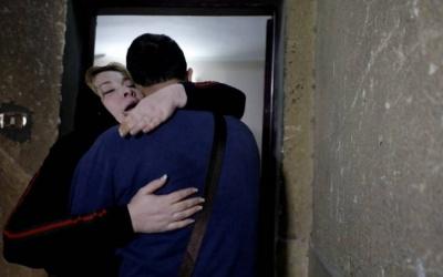 بالصور: فلسطيني يلتقي بوالدته في مصر بعد فراق 20 عاماً