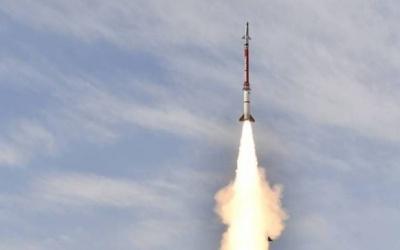 الاحتلال يجري تجربة صاروخية