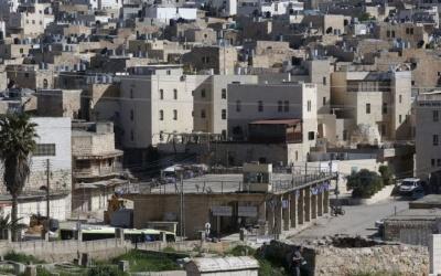 وزير جيش الاحتلال يُرسل تهديدًا مكتوبًا لبلدية الخليل