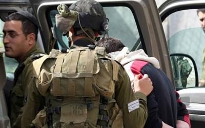 الاحتلال يعتقل 5 أسرى محررين جنوب بيت لحم