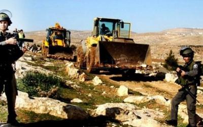 الاحتلال يمنع فتح طريق ويصادر جرافة بنابلس