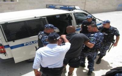 الشرطة تقبض على شخص بتهمة استغلال أطفال وتشغيلهم بالتسول في بيت لحم