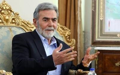 النخالة يهاتف الرئيس عباس باحثا الوضع الفلسطيني بظل أزمة كورونا