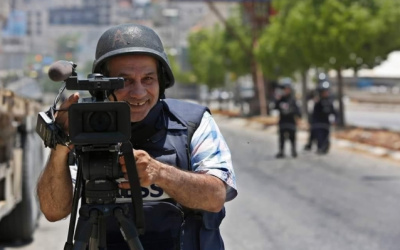 نقابة الصحفيين تستنكر فصل المصور إياد حمد من وكالة