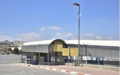 قوات الاحتلال تعتقل مواطنا من قطاع غزة
