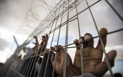 320 أسير في سجن عوفر يعلقون شروعهم بالإضراب إلى ما بعد الأعياد اليهودية