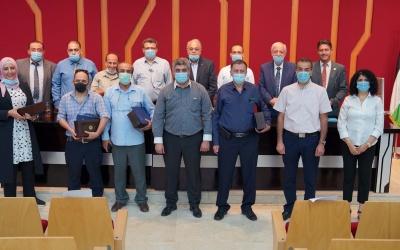 بالصور: الجامعة العربية الأمريكية تكرم المتميزين من الباحثين والأكاديميين والإداريين