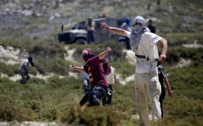 مستوطنون يهاجمون منازل المواطنين في بورين جنوب نابلس