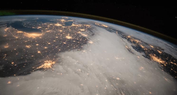 """انفجار عظيم قادم من """"قداس الفضاء السحيق"""" يصل الأرض عام 2037"""
